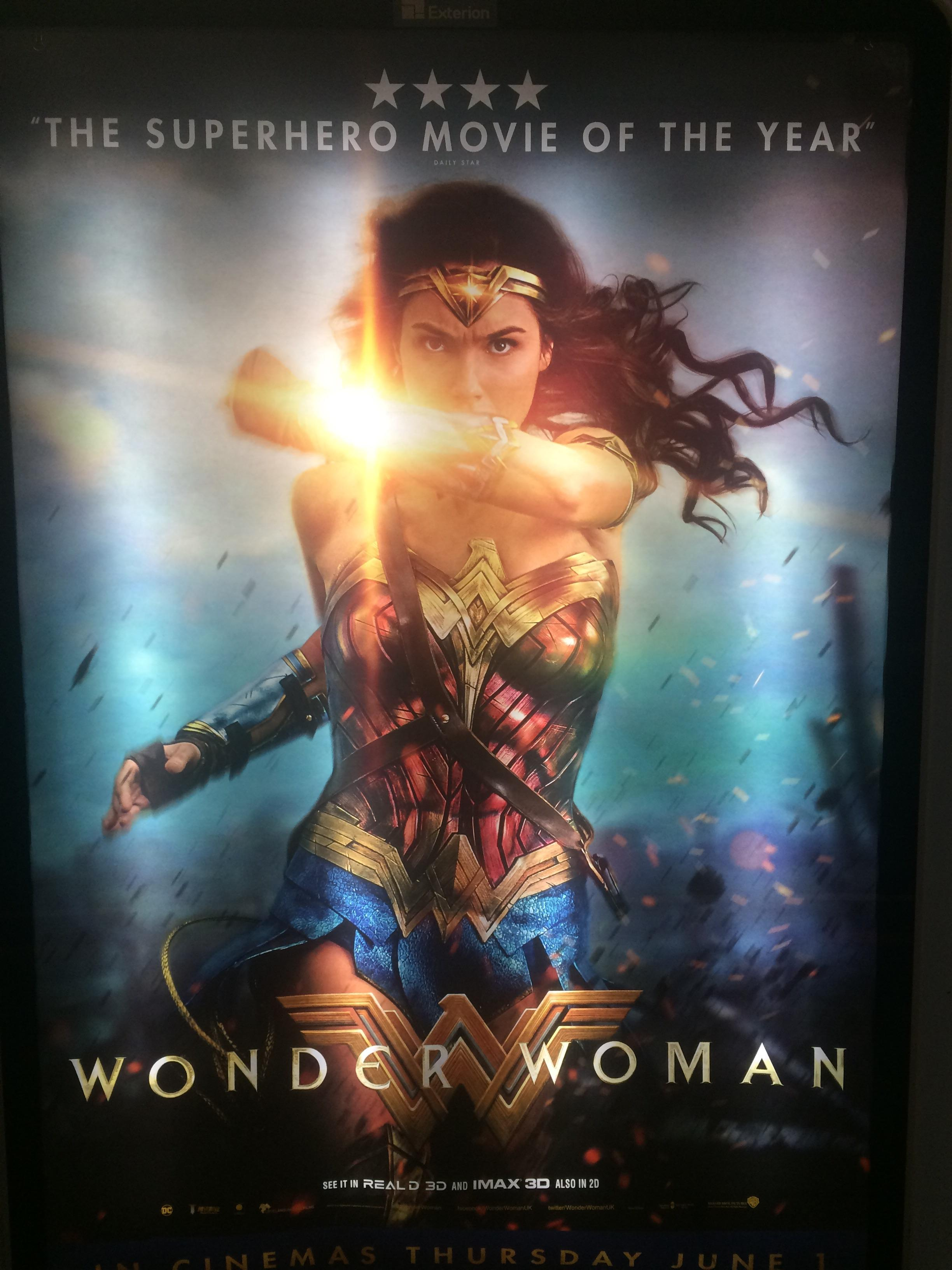 cartel de la pelicula wonder woman